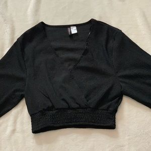 H&M black cropped long sleeve top.